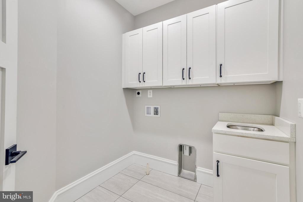 Second floor laundry room - 14612 BRISTOW RD, MANASSAS