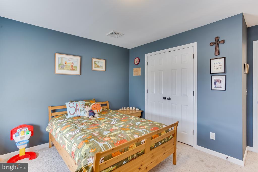 Upper Level : 3rd Bedroom - 59 GLACIER WAY, STAFFORD