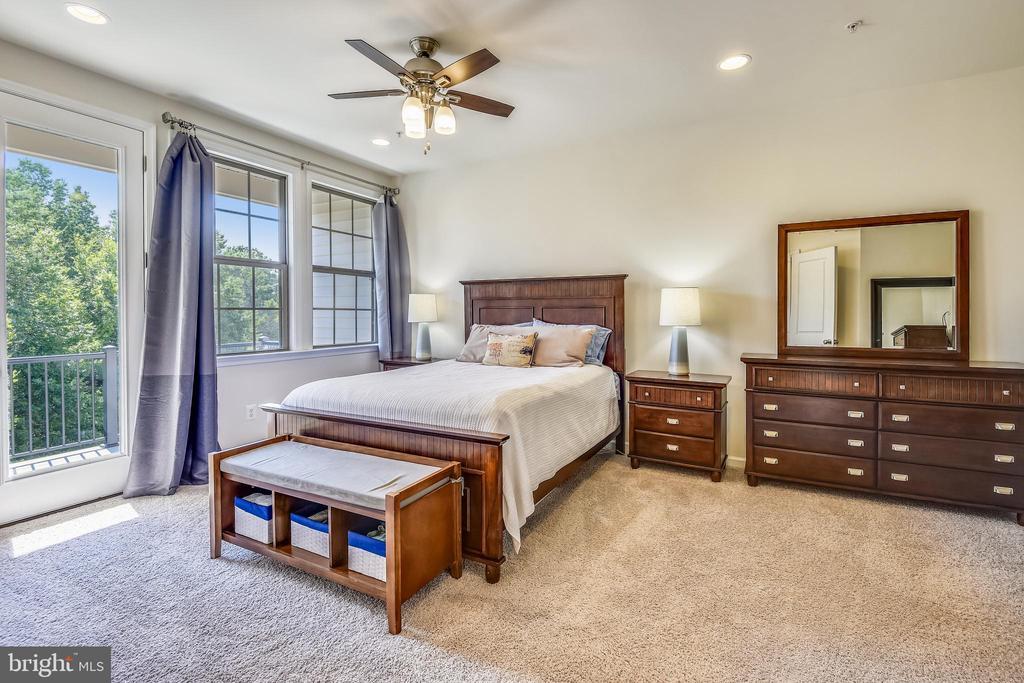 Master bedroom - 23410 ADAGIO TER, BRAMBLETON