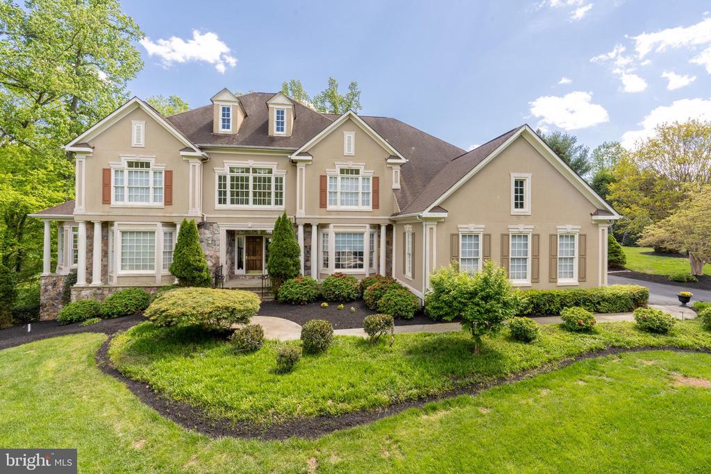 Welcome Home to 3242 Foxvale Dr, Oakton, VA - 3242 FOXVALE DR, OAKTON