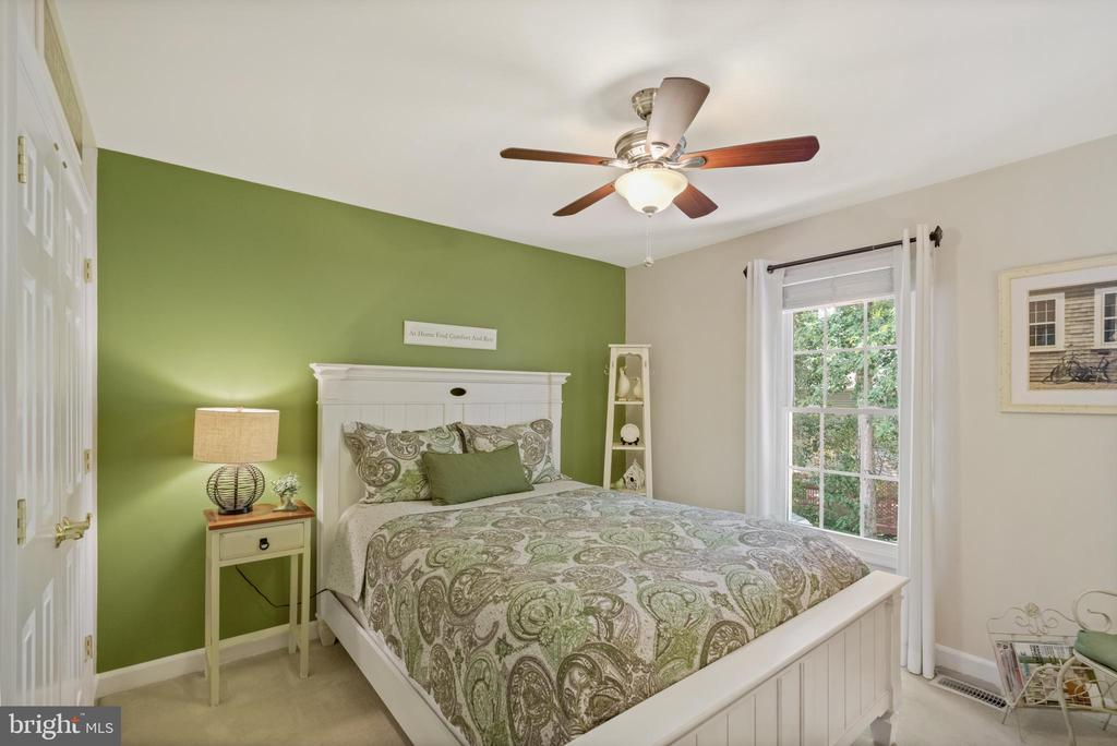 Guest room 2 - 6411 SPRINGHOUSE CIR, CLIFTON