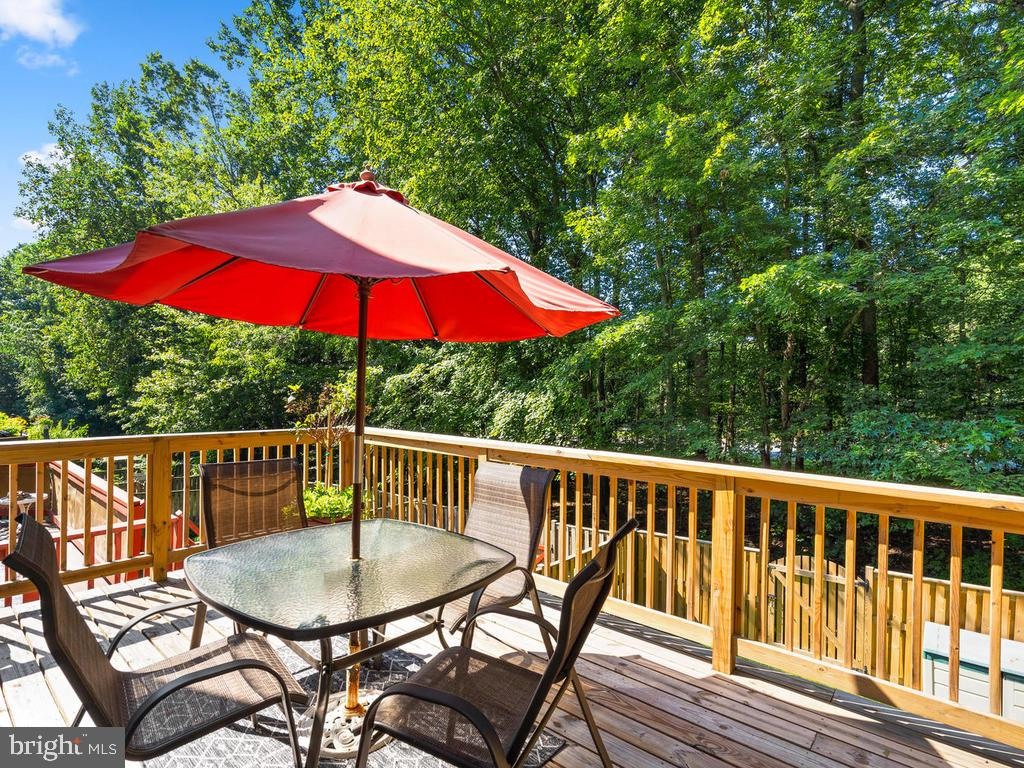 Deck of of Kitchen - 9193 FOREST BREEZE CT, SPRINGFIELD