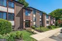 Welcome to this great 2 bed/2 bath 1,109' condo! - 9802 KINGSBRIDGE DR #001, FAIRFAX