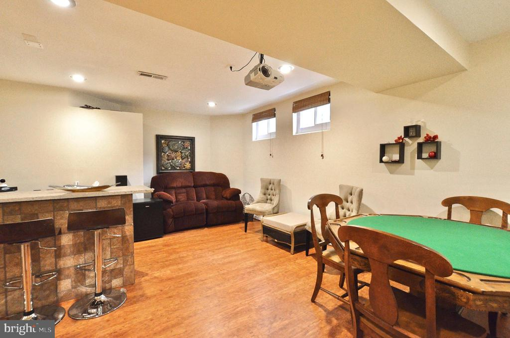 Lower level family room/bar/entertainment - 46521 HOLLYMEAD PL, STERLING