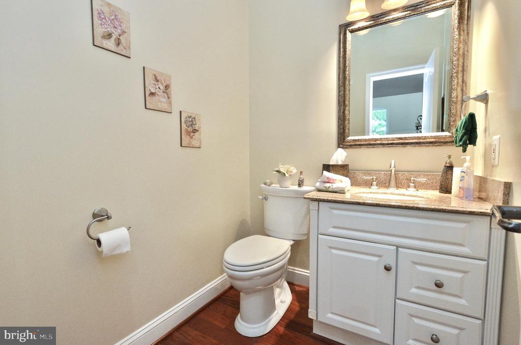 Powder room on main level - 46521 HOLLYMEAD PL, STERLING