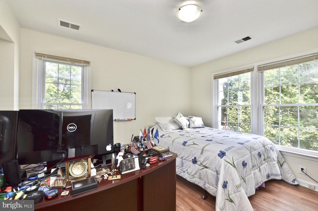 Upper level room 3 - 46521 HOLLYMEAD PL, STERLING