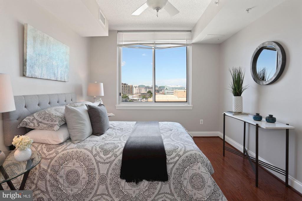 Room to Dream! - 1020 N HIGHLAND ST #821, ARLINGTON