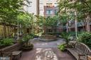 Tranquil Courtyard Terrace! - 1020 N HIGHLAND ST #821, ARLINGTON