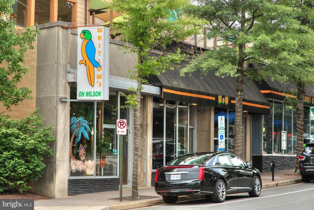 Walk to Restaurants! - 1020 N HIGHLAND ST #821, ARLINGTON