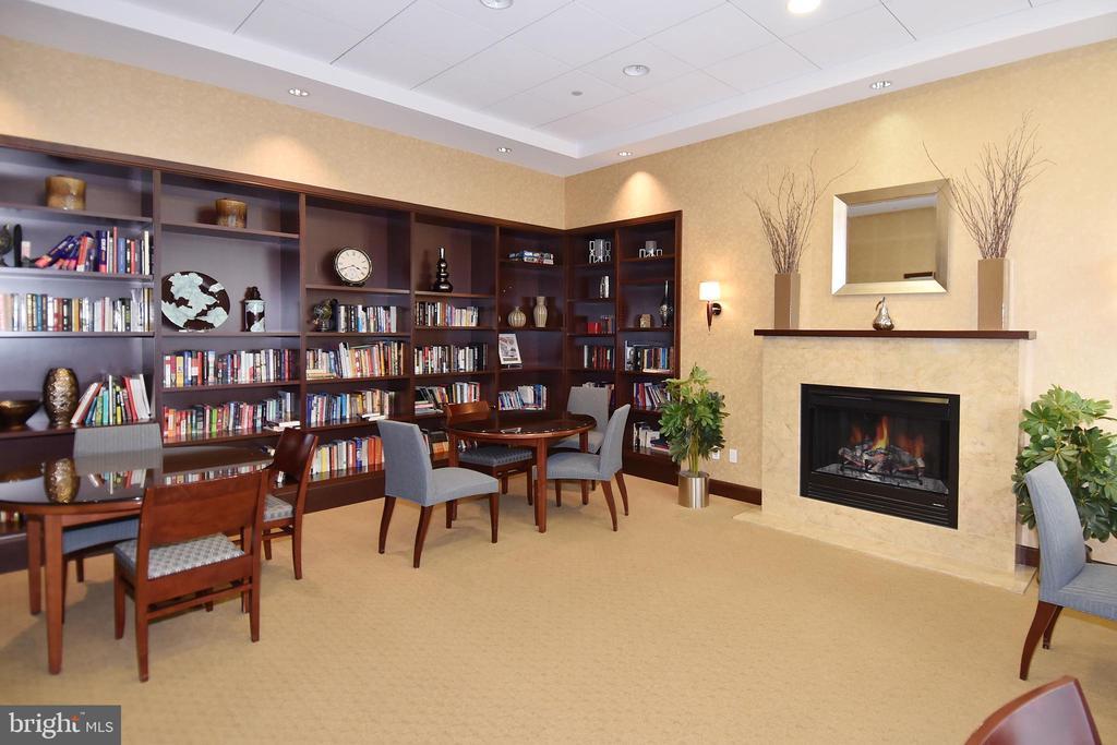 Library! - 1020 N HIGHLAND ST #821, ARLINGTON