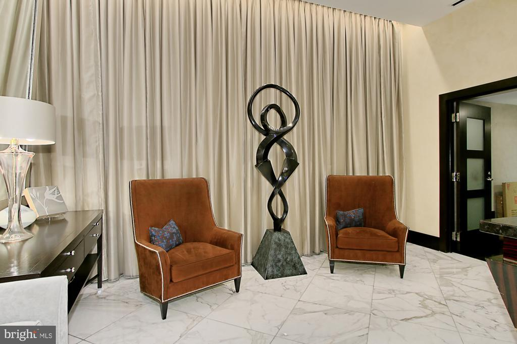 Owner's Lounge - 1111 19TH ST N #2503, ARLINGTON