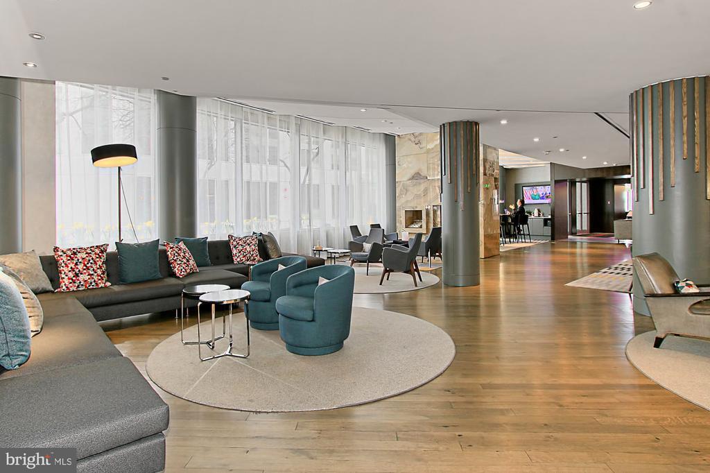 Le Meridien Hotel - 1111 19TH ST N #2503, ARLINGTON