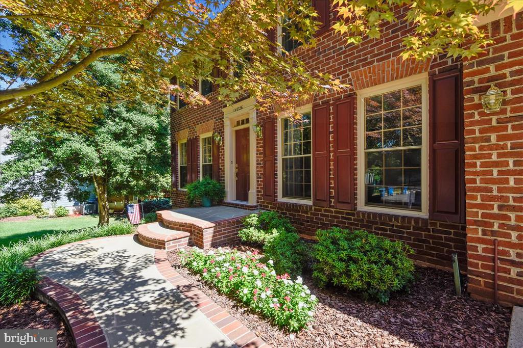 Slate and Brick walkway welcome you upon arrival - 14826 HUNTING PATH PL, CENTREVILLE