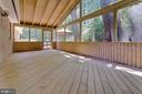 Screened-in Porch - 6811 WINTER LN, ANNANDALE