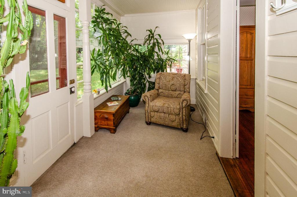 Fantastic Side Porch is a great spot to curl up. - 16 UNION ST NW, LEESBURG