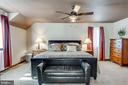 Main Level Master Bedroom - 1676 LOUDOUN DR, HAYMARKET