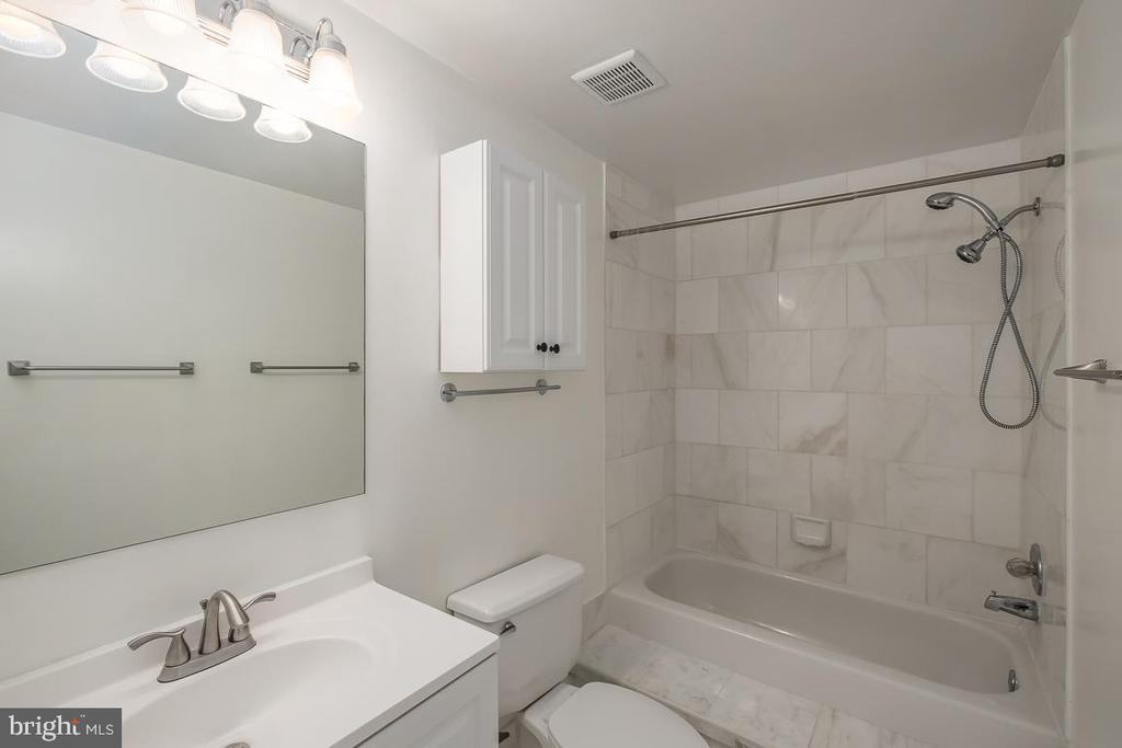 Second Bath (Hall) - 1211 S EADS ST #1705, ARLINGTON