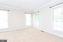 Abundant light in sitting room - 6033 SUMNER RD, ALEXANDRIA