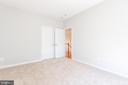Right rear bedroom with double-door closet - 6033 SUMNER RD, ALEXANDRIA