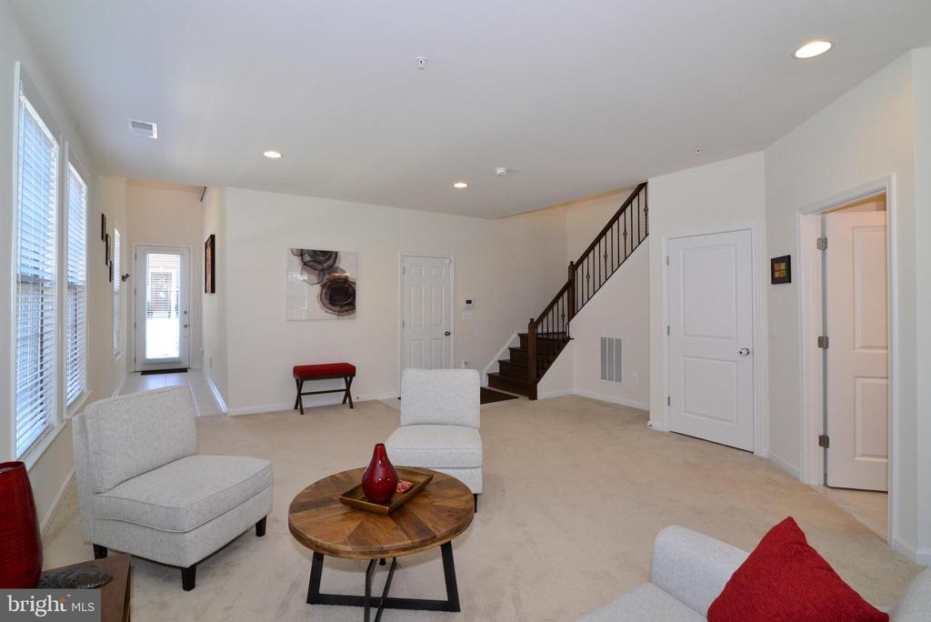 Flexible living area - 23398 EPPERSON SQ, BRAMBLETON