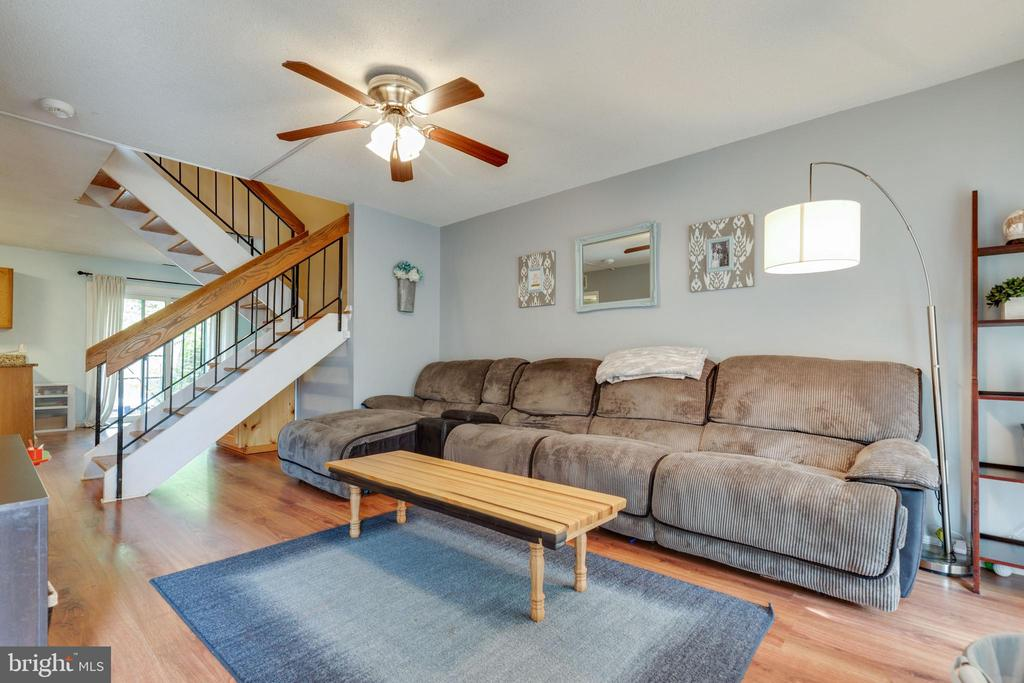 Living room - 1326 NORTHGATE SQ, RESTON