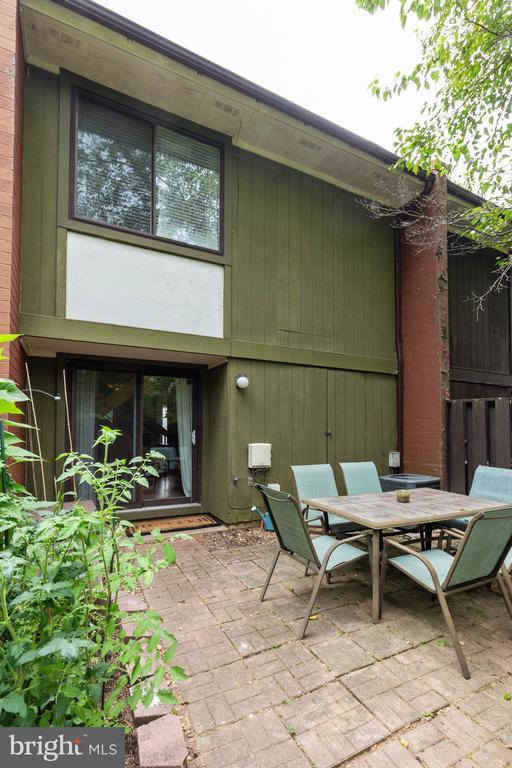 Back patio - 1326 NORTHGATE SQ, RESTON