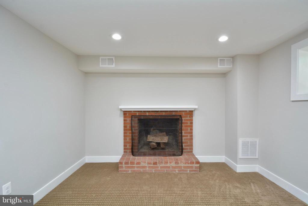 Brick Fireplace - 7416 LEIGHTON DR, FALLS CHURCH