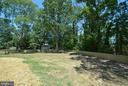 Large fenced backyard - 7416 LEIGHTON DR, FALLS CHURCH