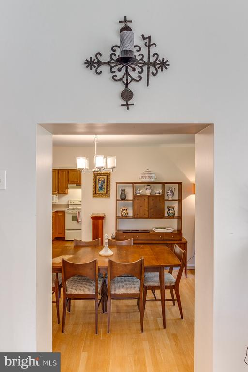 From the family rm looking down to the dining rm - 805 GOLDEN ARROW ST, GREAT FALLS