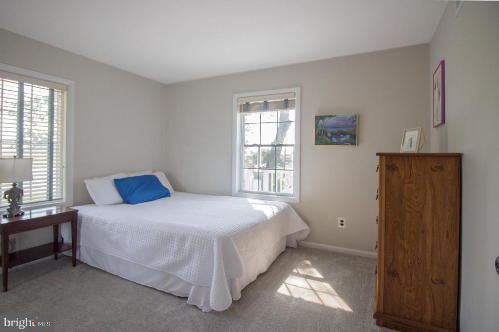 3rd bedroom overlooking deck - 5678 WATERLOO RD, COLUMBIA