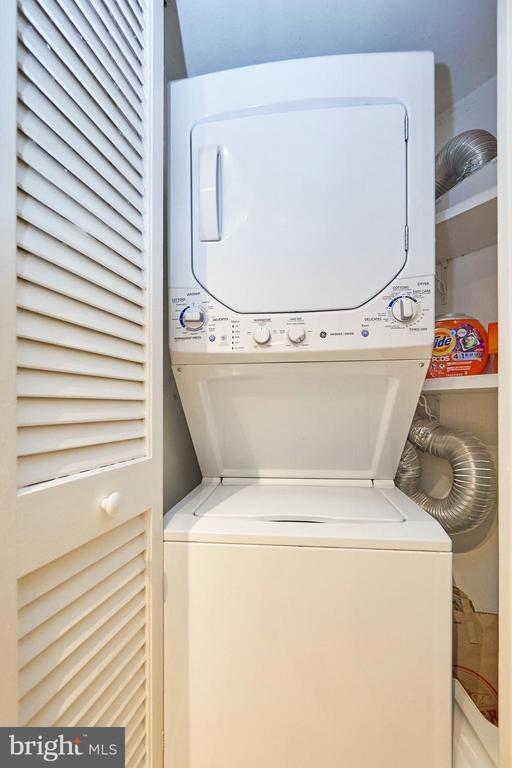 Washer/ Dryer - 1301 N COURTHOUSE RD #916, ARLINGTON