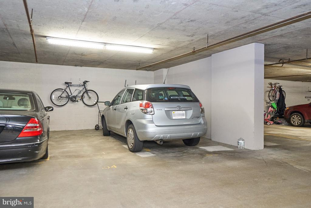 Premium Parking Space - 1301 N COURTHOUSE RD #916, ARLINGTON