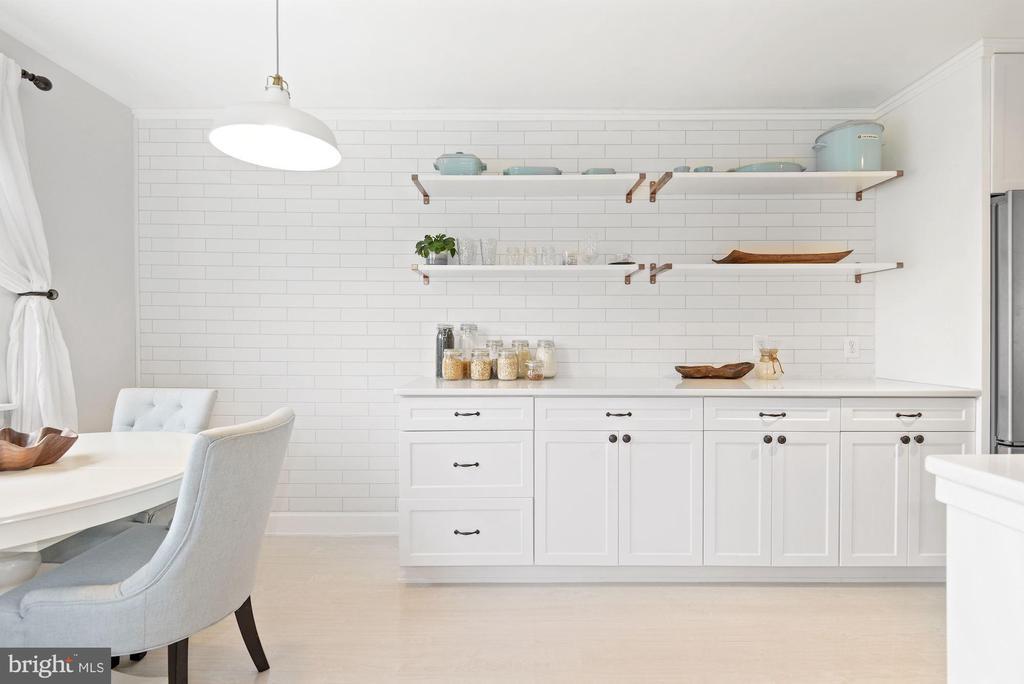 New Kitchen - Designed by Award-Winning Architect! - 1931 WILSON LN #102, MCLEAN