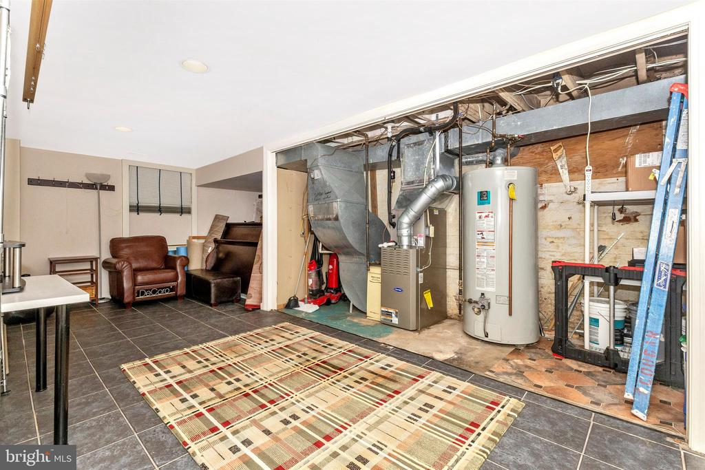 basement - 8931 COLESVILLE RD, SILVER SPRING