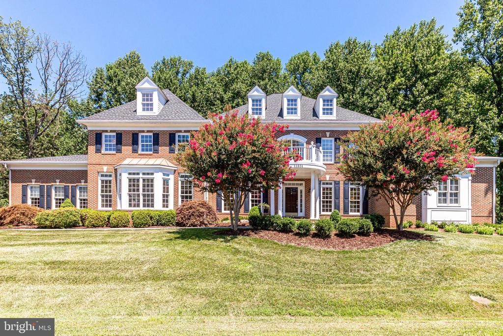 All brick home - 11604 TORI GLEN CT, HERNDON