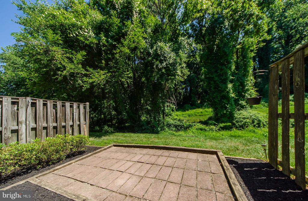 Patio for grilling - 2033 BROOKS SQUARE PL, FALLS CHURCH