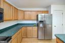 Stainless Steel appliance & Oak Cabinetry - 1221 LAKEVIEW PKWY, LOCUST GROVE
