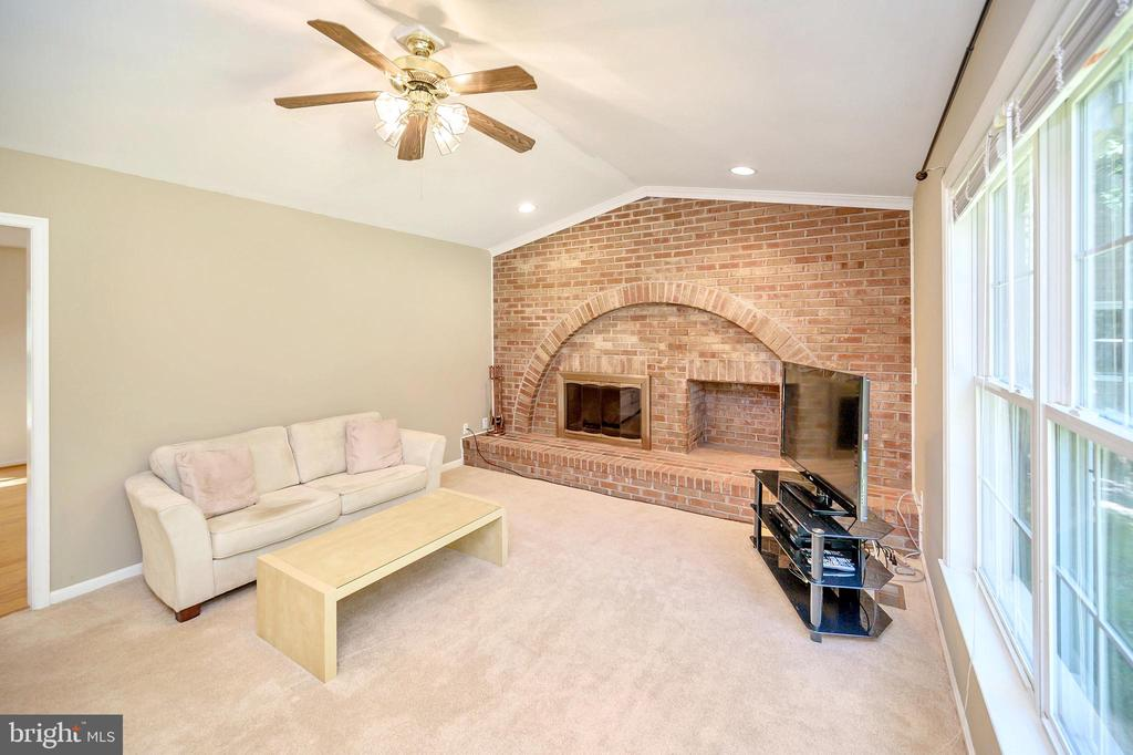 Light Filled Living Room; Plush carpeting 2017 - 1221 LAKEVIEW PKWY, LOCUST GROVE