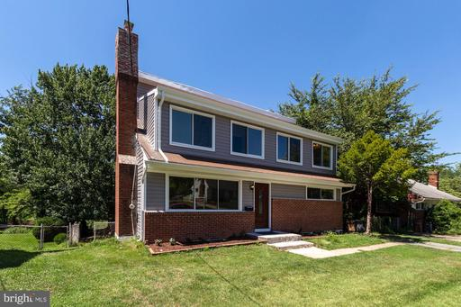 3 COLONIAL CT