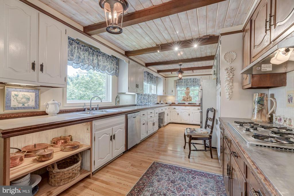 Kitchen - 3001 FOXHALL RD NW, WASHINGTON
