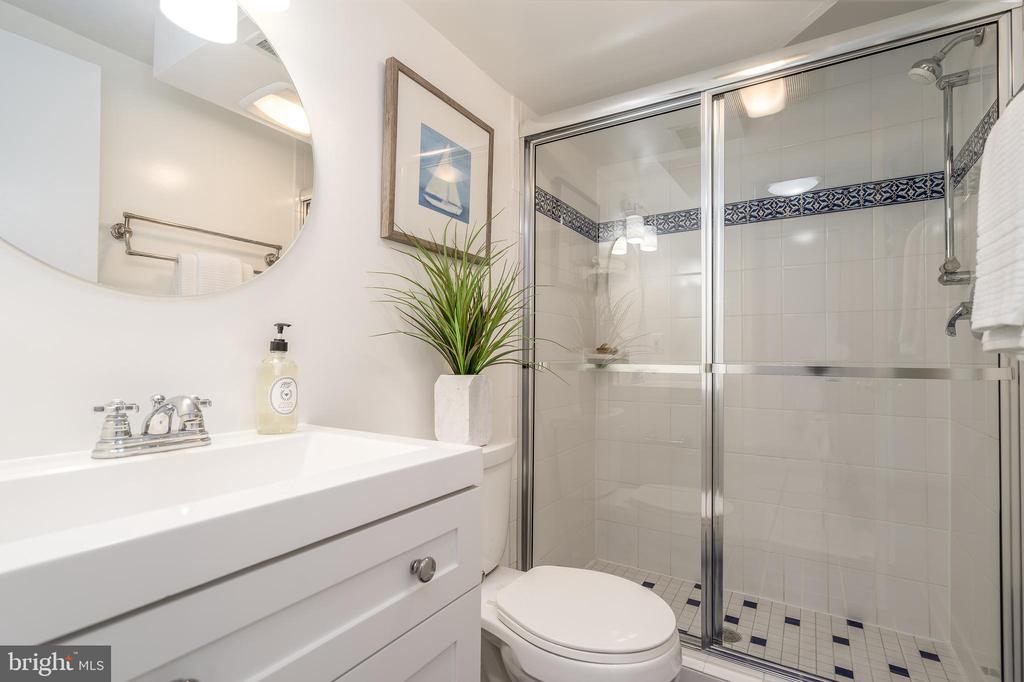 Lower level full bathroom is fully updated - 3506 7TH ST N, ARLINGTON