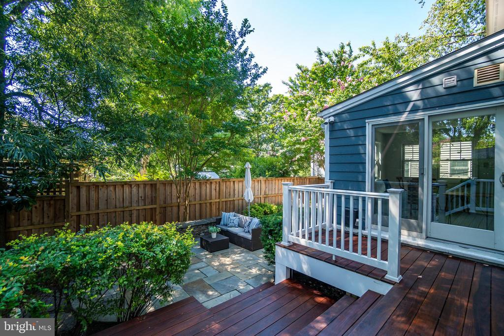 Outdoor space is off of the sunroom - 3506 7TH ST N, ARLINGTON