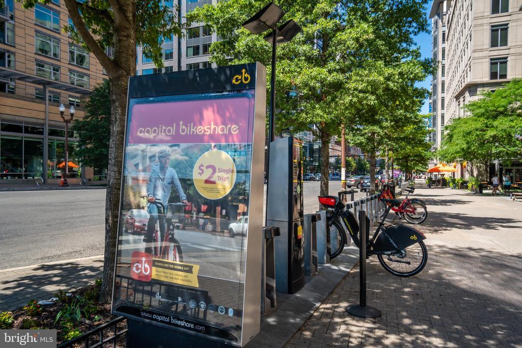 Minutes to Capital Bikeshare! - 3506 7TH ST N, ARLINGTON