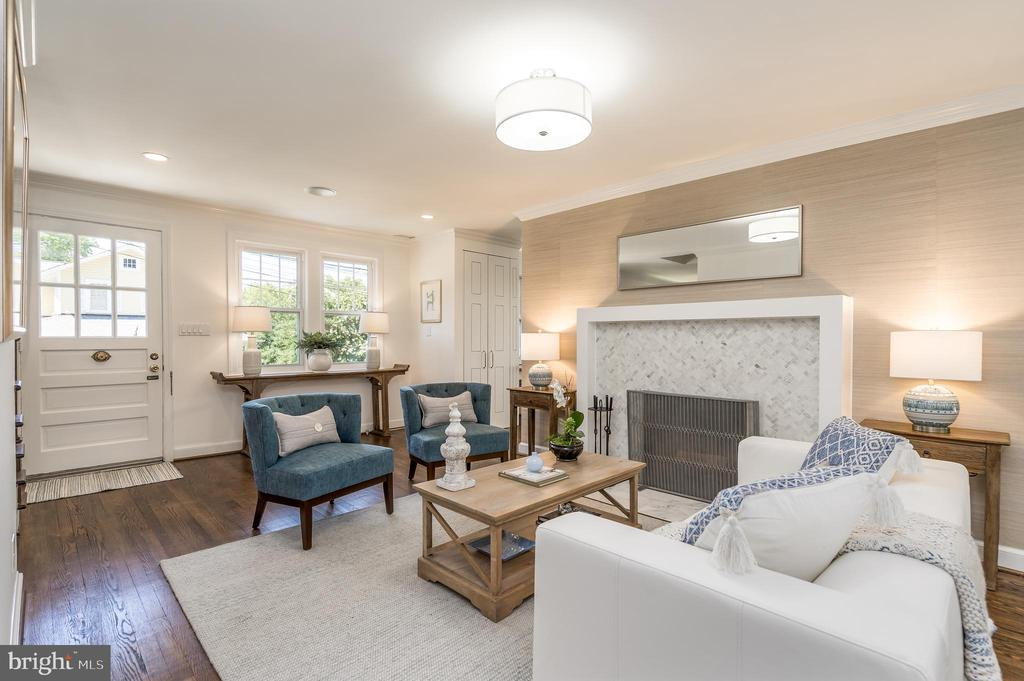 Formal living room with fireplace - 3506 7TH ST N, ARLINGTON