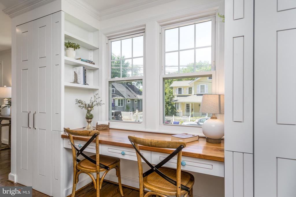 Built in closets and walnut desk - 3506 7TH ST N, ARLINGTON