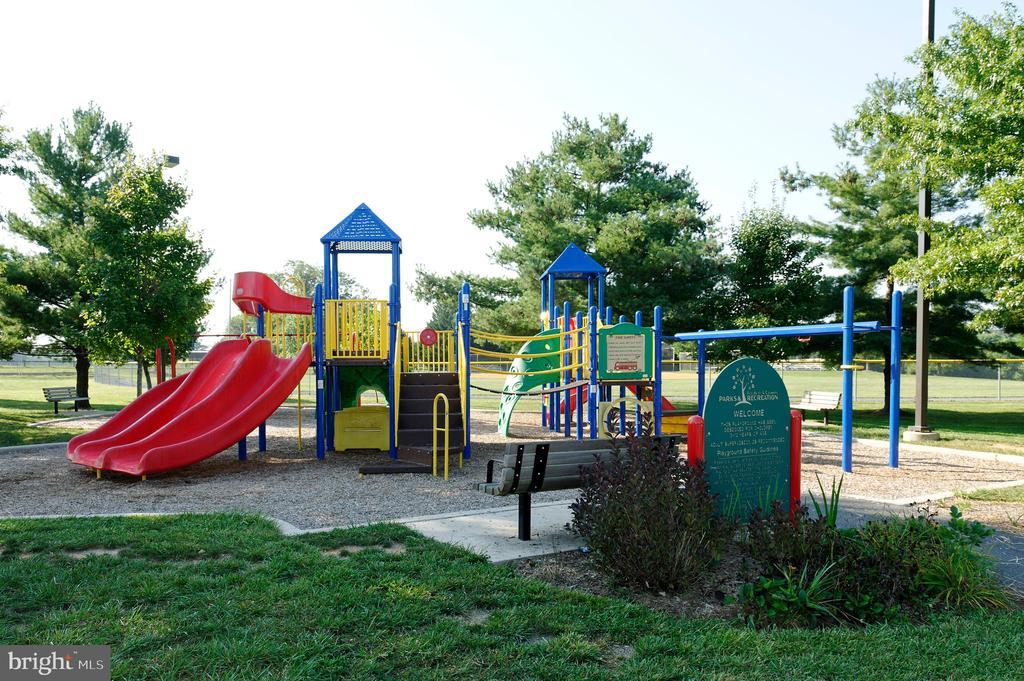 Close to playgrounds, basketball & tennis courts! - 9509 TOTTENHAM CIR, FREDERICK