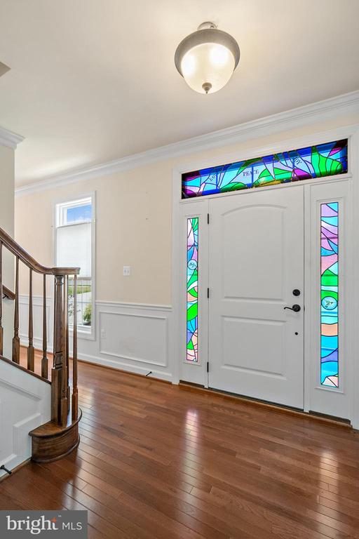 foyer with stained glass - 7304 BACKLICK RD, SPRINGFIELD