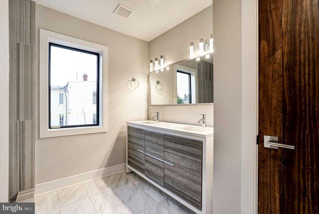 Master Bath  (very similar example) - 427 N CLEVELAND ST, ARLINGTON