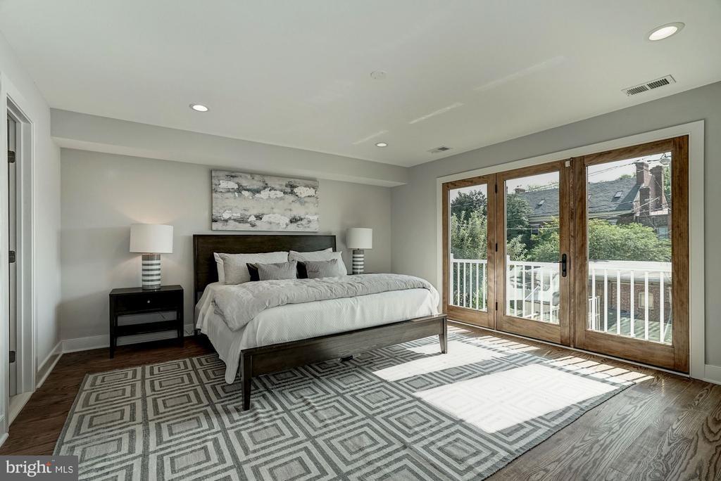 Master Bedroom  (very similar example) - 427 N CLEVELAND ST, ARLINGTON