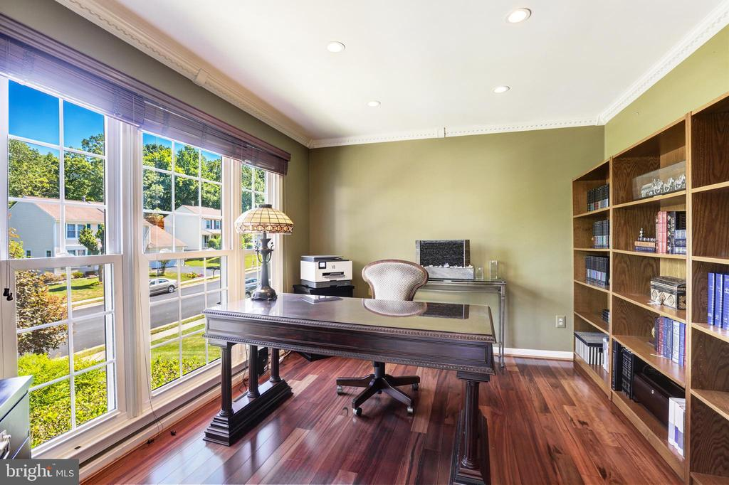 Main level office - 13915 MARBLESTONE DR, CLIFTON